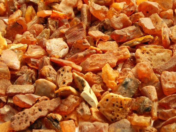Raw, unpolished amber