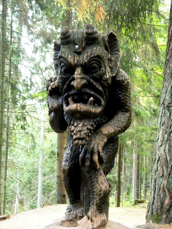 There are more than 80 wooden sculptures on the Hill of Witches